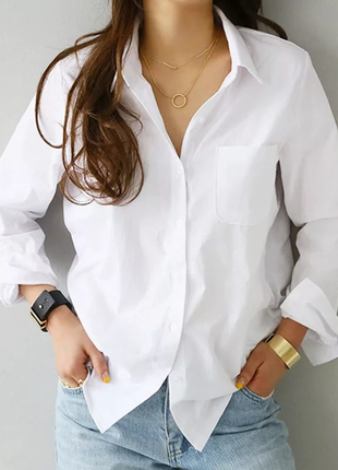Белая голубая коттоновая рубашка классика