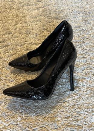 Туфли на шпильке, 37-38 размер1 фото