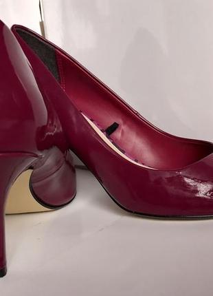 Новые лаковые туфли / фуксия