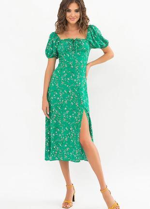 Зеленое хлопковое цветочное платье - стильное, женственное