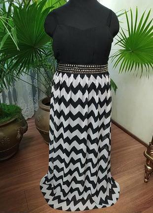 Красивое, современное нарядное платье на тонких бретелях, батал, 24 размер