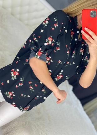 Женская рубашка черная с цветочным узором 50 52 54 56
