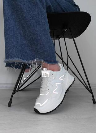 Білосніжні кросівки з рефлективними вставками❤️🔥