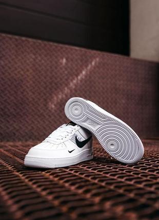 Кроссовки найк женские форсы аир форс кеды обувь nike air force black white3 фото