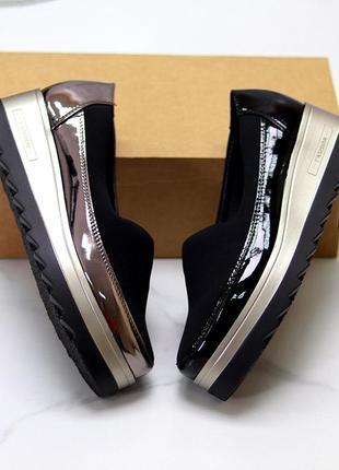 Женские стильные туфли на платформе на танкетке