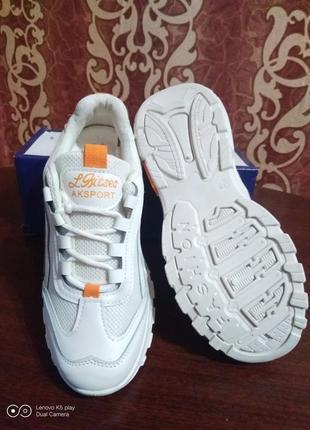 Классные модные лёгкие женские кроссовки- белые- 36-40- качество!.8 фото