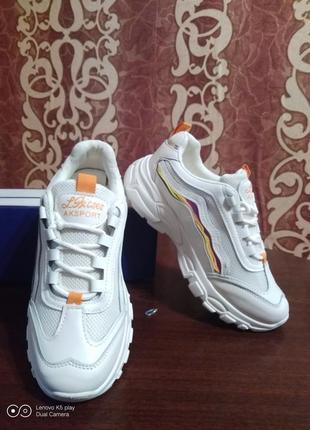 Классные модные лёгкие женские кроссовки- белые- 36-40- качество!.4 фото
