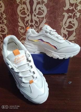 Классные модные лёгкие женские кроссовки- белые- 36-40- качество!.7 фото
