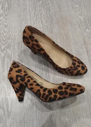 Туфли на среднем каблуке, леопардовый принт
