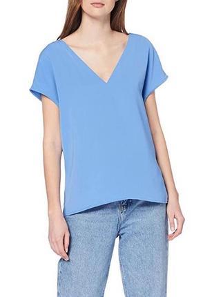 Роскошная блуза с v образным вырезом и кружевом