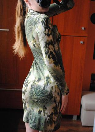 Силуэтное платье футляр s /m3