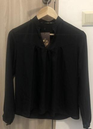 Новая блуза из легкой ткани