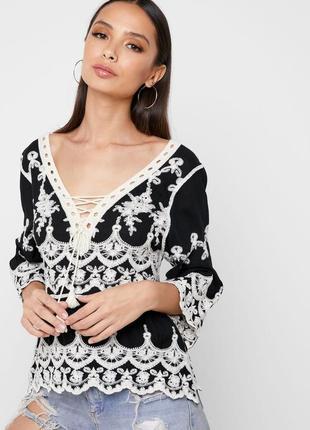Красивая блуза из натуральной ткани с вышивкой и кружевом кроше new look