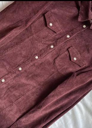 Трендовое микровельветовое платье на кнопках цвета бардо батал
