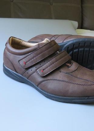 Мужские туфли trustule  на липучках и воздушной подушке.