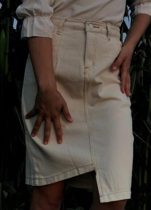 Шикарная белая джинсовая юбка, размер: s