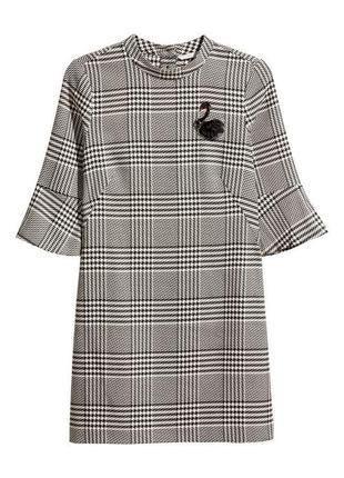 Шикарное платье футляр в клеточку  с вышивкой лебедь сукня пляття h&m