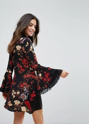 Красивое нарядное платье с декоративными рукавами сукня квіти