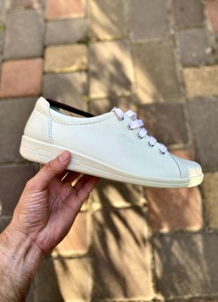 Кожаные женские кроссовки ecco, 40 размер