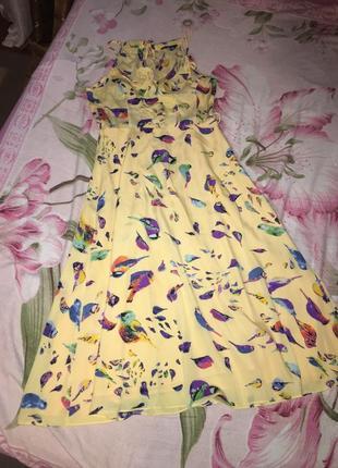 Платье желтое с птичками длинное летнее шифоновое