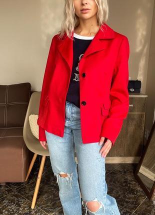 Красный шерстяной пиджак akris оригинал