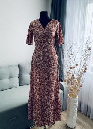 Легкое макси платье на запах
