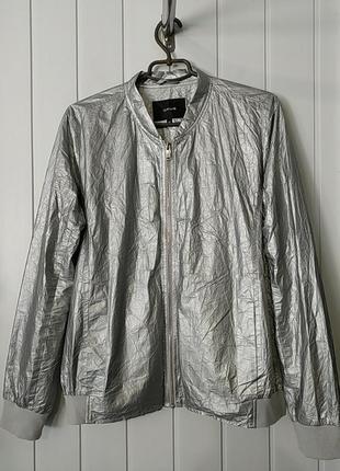 Жирна жіноча куртка бомбер