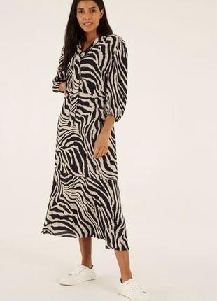 Платье миди с завязкой на шее в принт зебры с воланом на пуговичках из вискозы