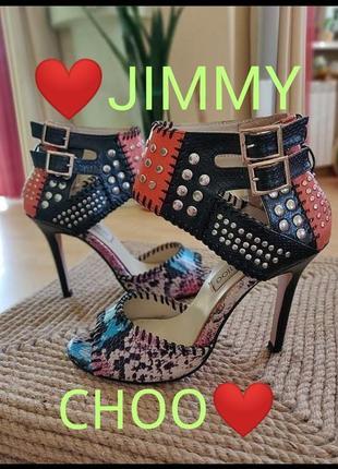 Босоножки на каблуке с пряжками туфли