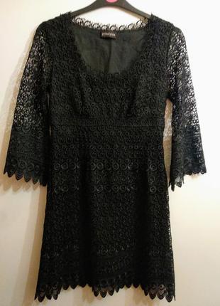 Шикарное платье из плотного кружева рукав волан размера m