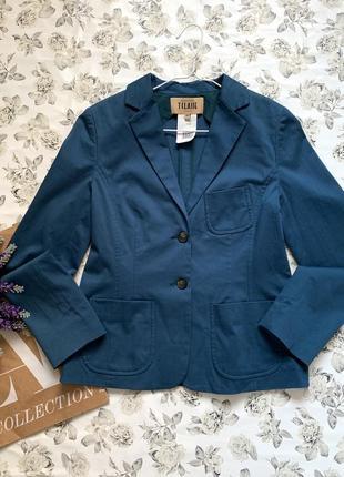 Классический пиджак  alviero martini с накладными карманами