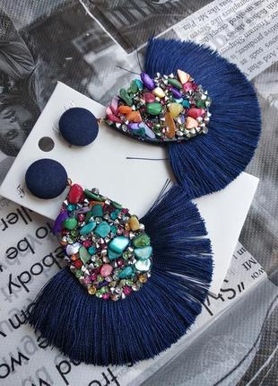 Вечерние серьги гвоздики кисточки темно-синие сережки