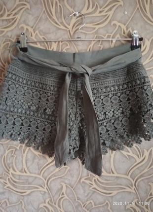 Красивые ажурные шорты италия