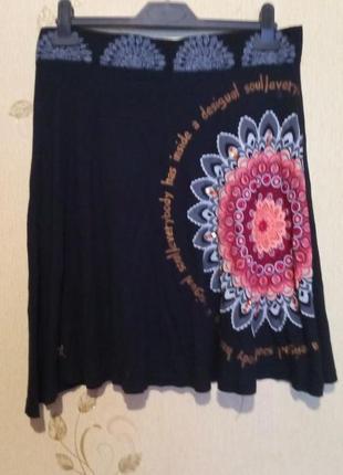 Легкая трикотажная юбка с декором desigual