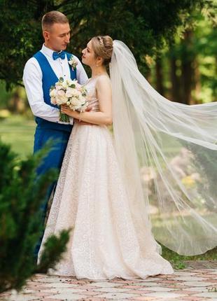 Шикарное свадебное (или выпускное) платье