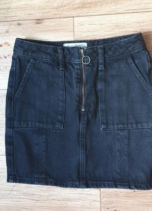 Черная джинсовая юбка на молнии р 40