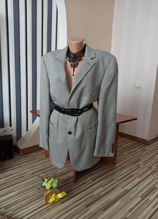 Стильный трендовый пиджак в гусиную лапку