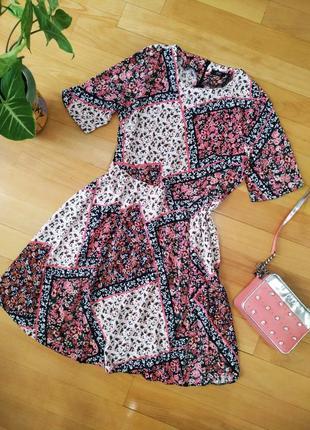 Красивое платье в цветочек f&f