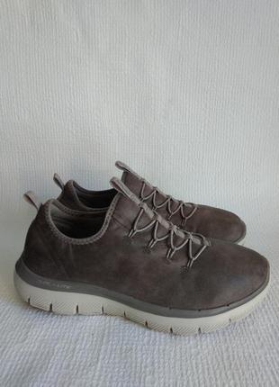 Skechers оригинальные кроссовки 38
