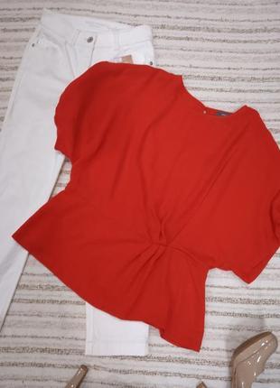 Брендовая блузка яркого цвета