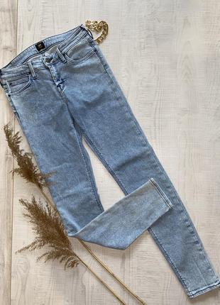 Голубые джинсы скинни lee
