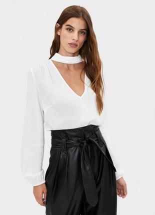 Шифонова блуза з v вирізом