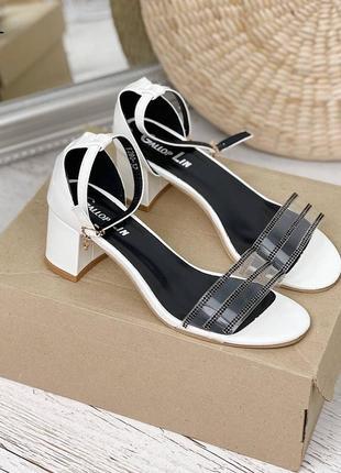 Рр 36-41.белые босоножки туфли на маленьком каблуке