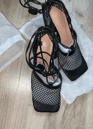 Туфли боссоножки мюли