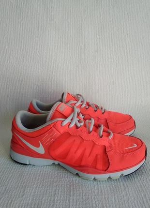 Nike оригинальные кроссовки 38