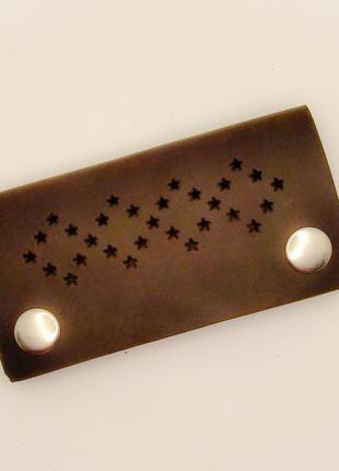 Кожаная ключница коричневая для мужчин ручной работы