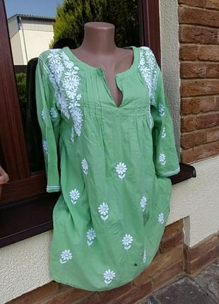 Крутая  котоновая  рубашка с  оригинальной  вышивкой.