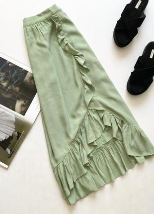 Красивая юбка миди на запах с оборками