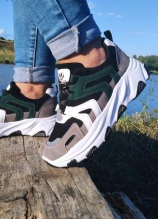 Стильні кросівки тм aesd!!! р-р 41. маломірять, на повномірний 39-й р-р
