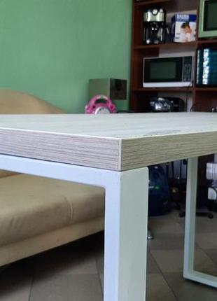 Стіл у стилі loft